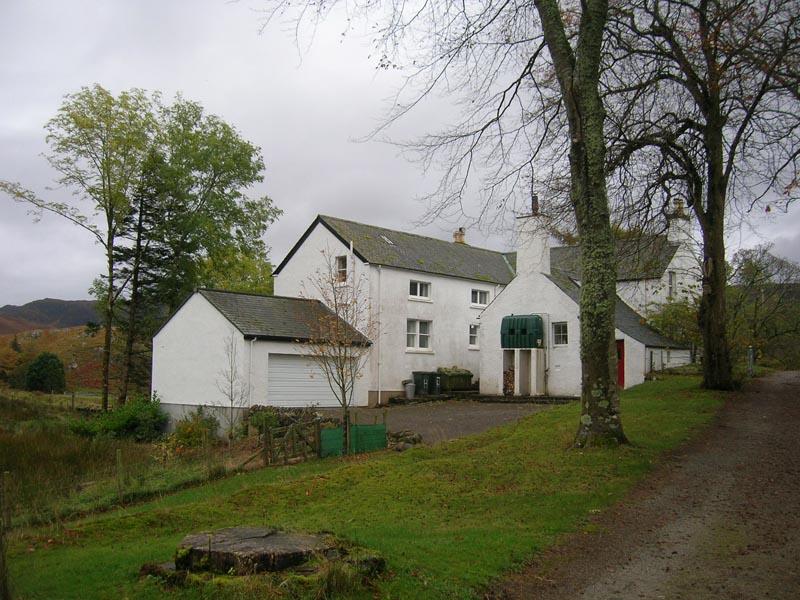 Front of lodge before refurbishment